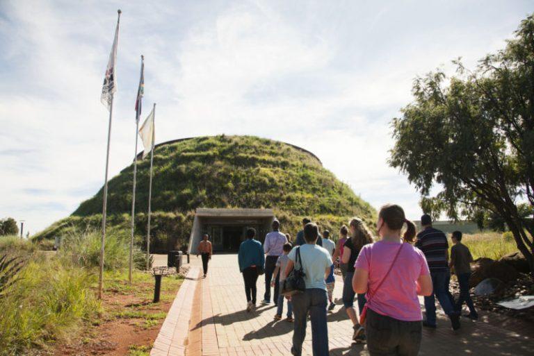 2009 – ICI Representatives Visit SA